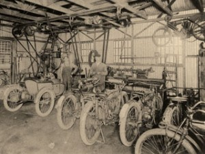 Harley-Davidson repair shop - 1915