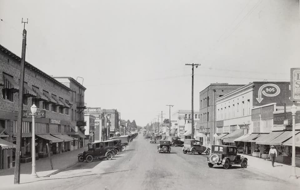 Looking north at Jackson and Baker in 1927.