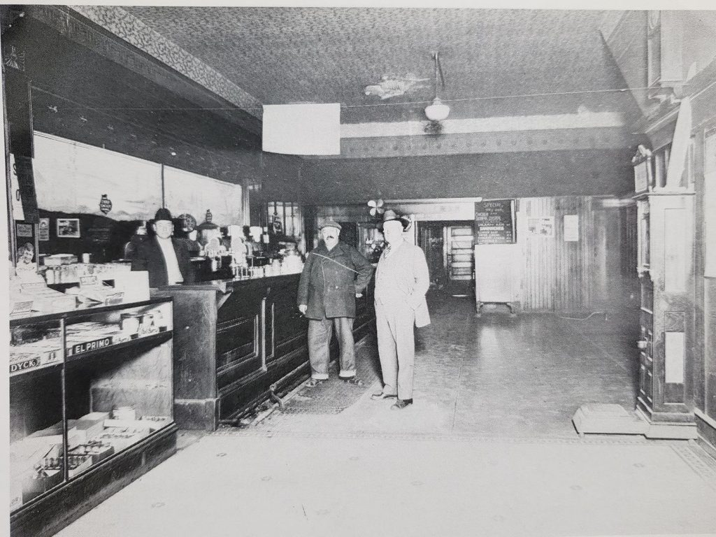 Inside The Leader Saloon in 1912. It was located across from the SP depot. The building is still there. If you look closely there is a Coca Cola mural on the side of this building.