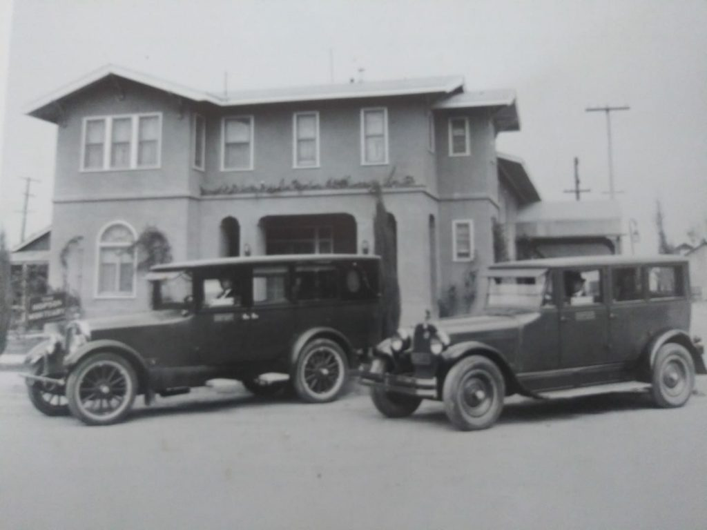 HOPSON MORTUARY BUILDING WITH 1925 FLEET AT 620 OREGON STREET